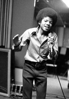 medium_Micheal-Jackson-5